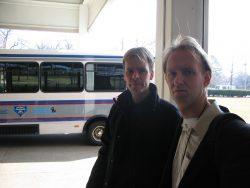 Het busje waarmee we naar de ingang van Graceland worden gebracht