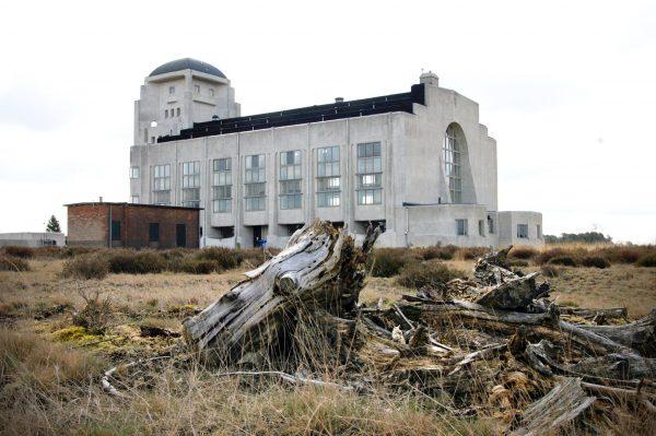 Zendgebouw bij Radio Kootwijk