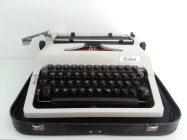 Typemachine van het merk Erika